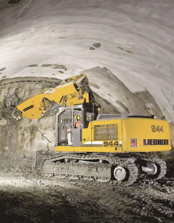 r944-compact-tunnel-liebherr